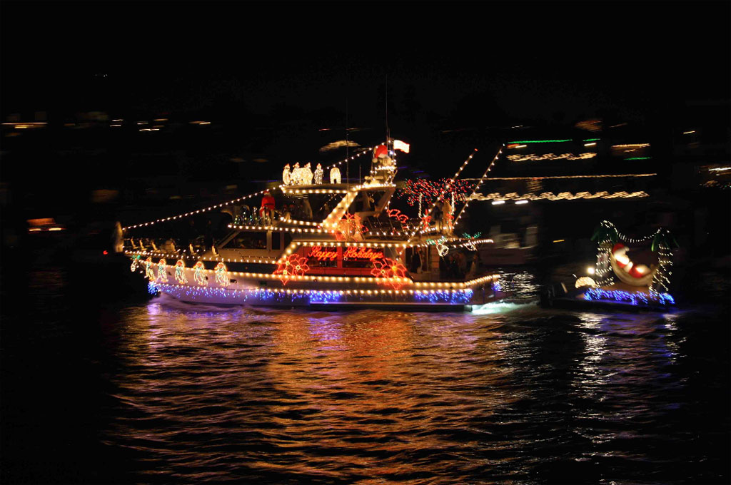 Itu0027s That Time Of Year Again, And Christmas In Florida Means U0027tis The  Season To Decorate Our Boats In Holiday Decorations And Lights.