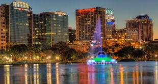 Lake-Eola-Fountain-and-Buildings